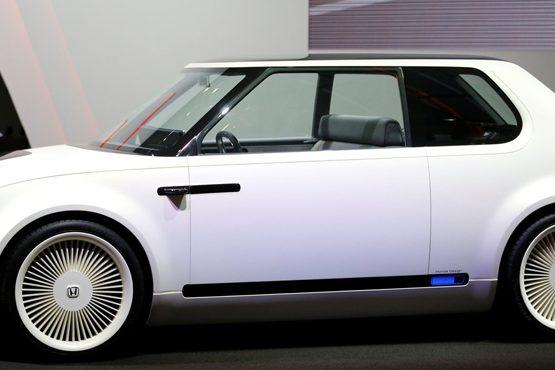 Honda mostra Fit 'aventureiro' e confirma lançamento de conceito retrô no Salão de Genebra